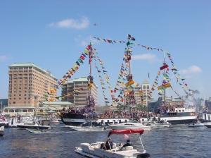 """Tudo começou com José Gaspar, um pirata caribenho que causava por lá; hoje, milhares de """"piratas"""", bandas, carros alegóricos e, claro, turistas invadem Tampa Bay para comemorar a tradicional Gasparilla, que acontece sempre no último final de semana de janeiro"""