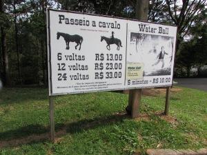Para ajudar na manutenção do complexo, outras atividades cobradas à parte são oferecidas aos visitantes (Foto: Eduardo Oliveira)