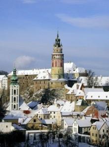 Se no verão a cidade é por si só muito atraente, no inverno não é diferente, já que o cenário se torna bem interessante com as elegantes construções históricas cobertas de neve (Foto: Divulgação)